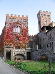 Querceto, in the heart of the Tuscan countryside between Volterra and the sea
